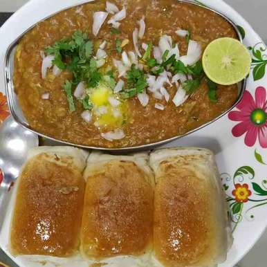 Photo of Bombay Butter pav bhaji by Disha Chavda at BetterButter